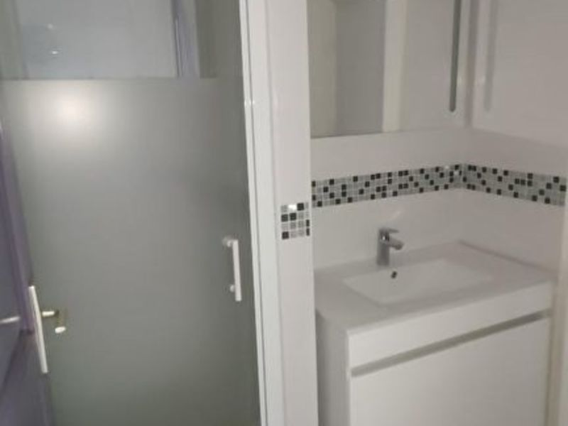 Location appartement Saint quentin 335€ CC - Photo 6