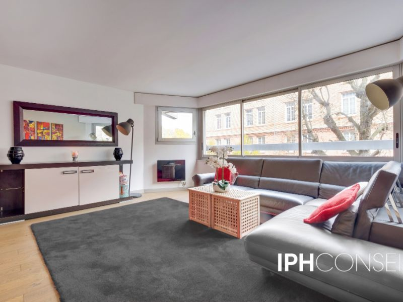 Sale apartment Neuilly sur seine 1030000€ - Picture 2