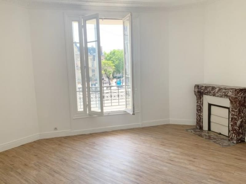Rental apartment St ouen 1 380€ CC - Picture 2