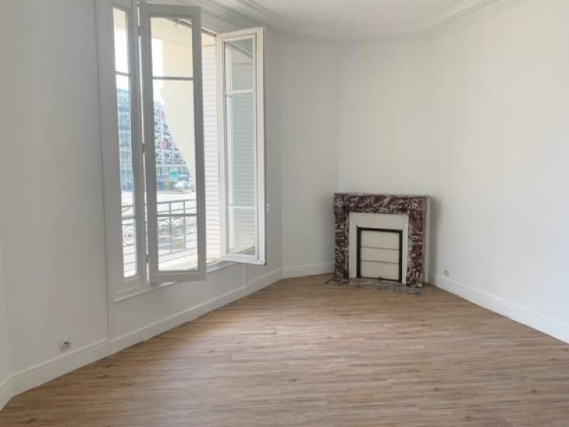 Rental apartment St ouen 1 380€ CC - Picture 3