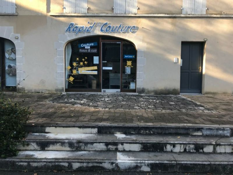 Location local commercial Cognac 500€ HC - Photo 1