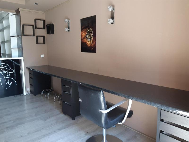 Location local commercial Grenoble 739€ HC - Photo 4