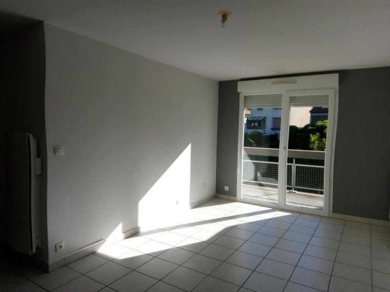 Rental apartment Vichy 455€ CC - Picture 1