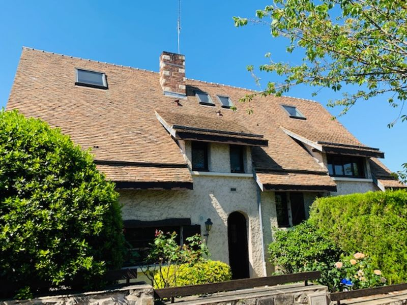 Sale house / villa Marly le roi 1030000€ - Picture 1