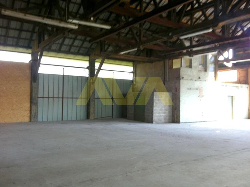 Location local commercial Espes undurein 678€ CC - Photo 8