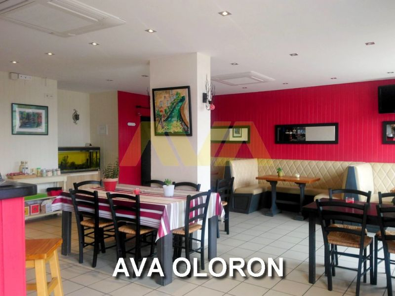 Commercial property sale shop Oloron-sainte-marie 63 500€ - Picture 1