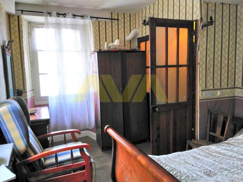 Sale house / villa Oloron-sainte-marie 131000€ - Picture 5