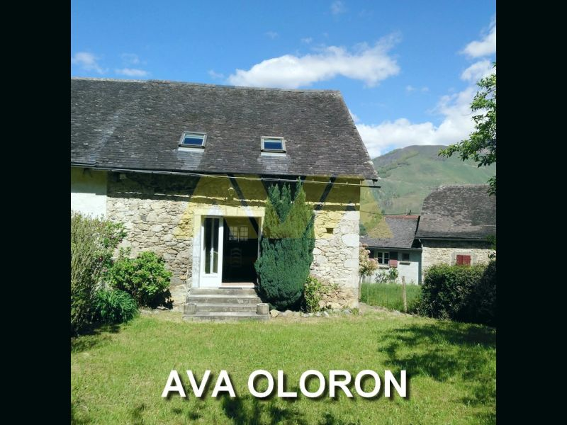 Sale house / villa Oloron-sainte-marie 141700€ - Picture 1