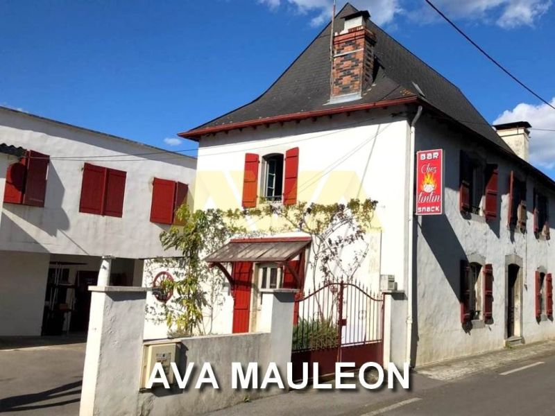 Sale house / villa Mauléon-licharre 230 000€ - Picture 1