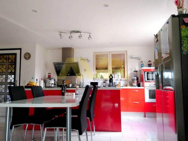 Sale house / villa Oloron-sainte-marie 235000€ - Picture 4