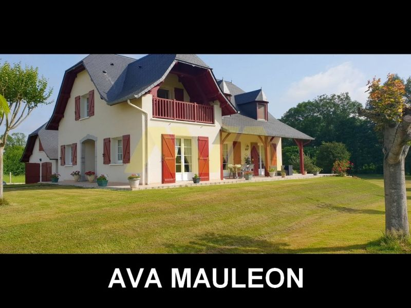 Sale house / villa Mauléon-licharre 255 000€ - Picture 1