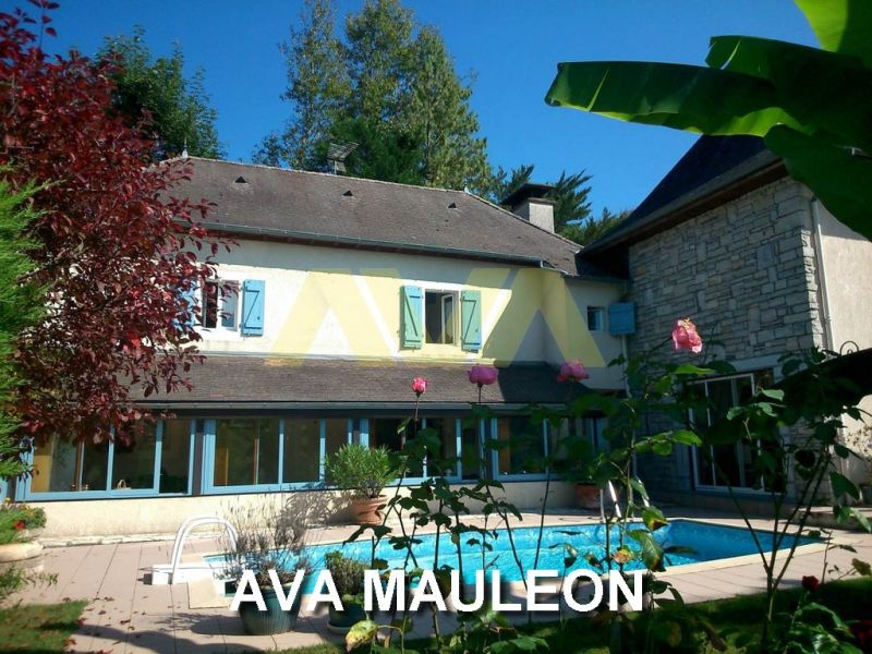 Sale house / villa Mauléon-licharre 357 000€ - Picture 1