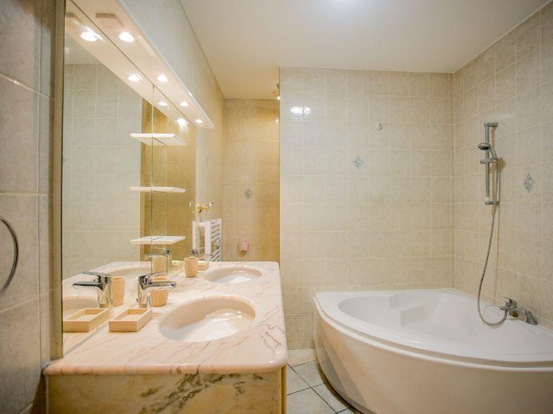 Sale apartment Aix les bains 285000€ - Picture 5