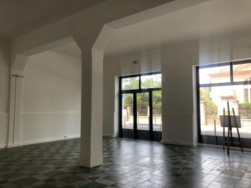 Location local commercial L ile rousse 1 600€ HC - Photo 2