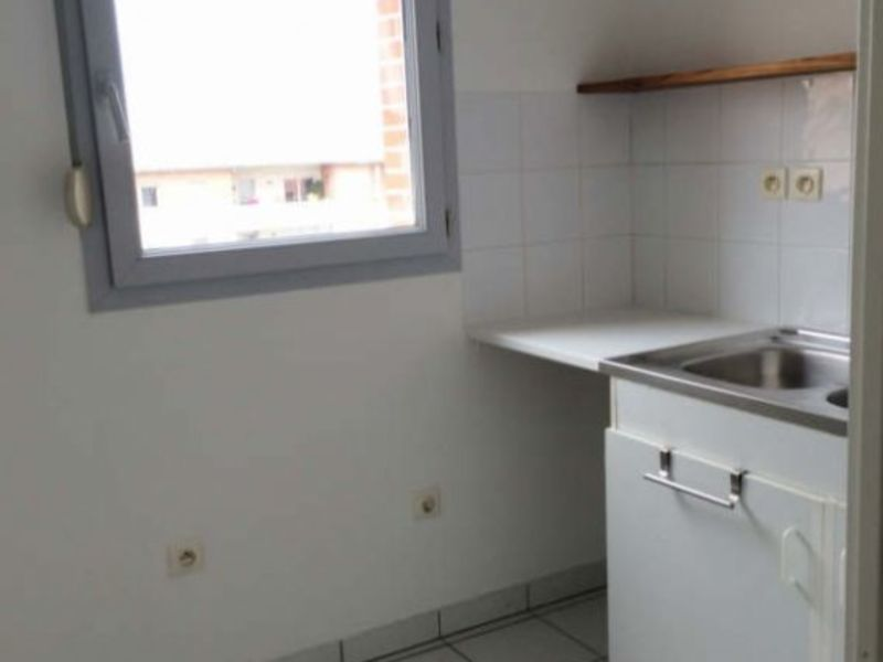 Rental apartment Toulouse 758€ CC - Picture 5