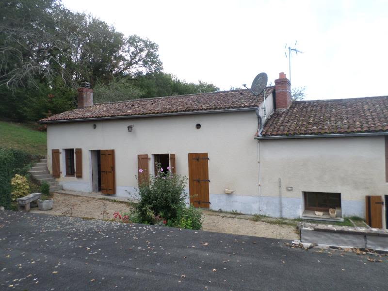 Vente maison / villa Civaux 66 000€ - Photo 1
