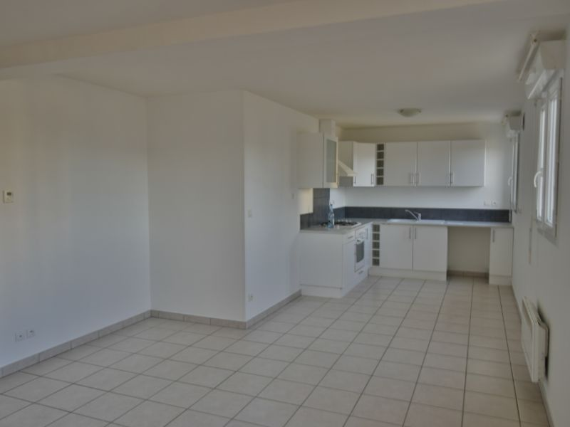 Sale apartment Mourenx 88000€ - Picture 1