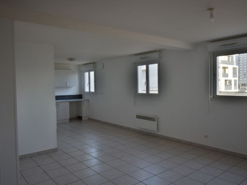 Sale apartment Mourenx 88000€ - Picture 2
