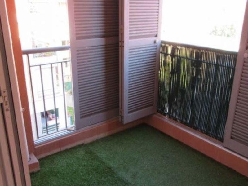 Sale apartment Grasse 130 000€ - Picture 2