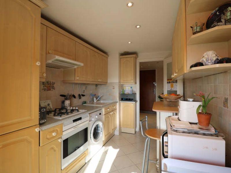 Sale apartment Le cannet 222000€ - Picture 4
