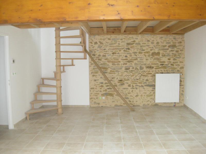 Location maison / villa Bully 910€ CC - Photo 6