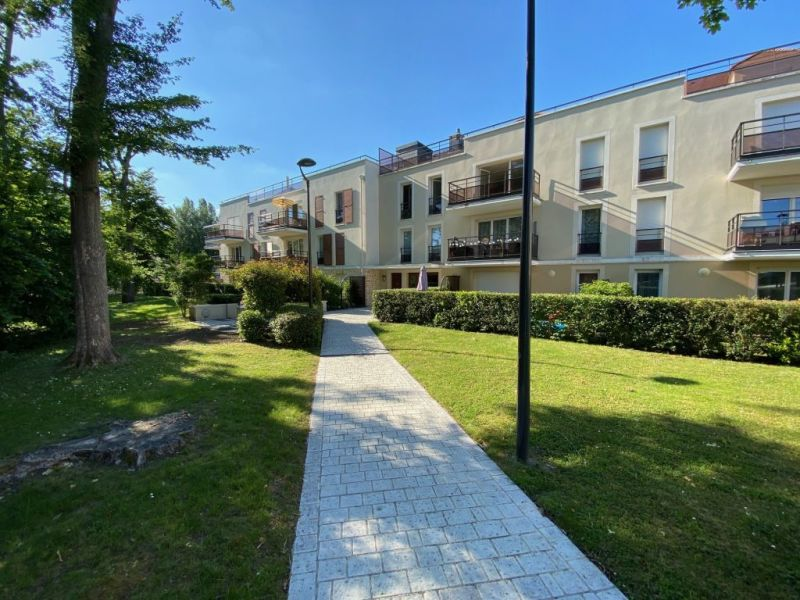 Sale apartment Mennecy 188000€ - Picture 1