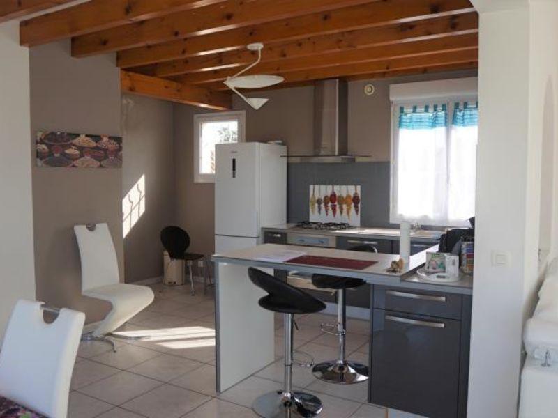 Sale house / villa Clonas sur vareze 327000€ - Picture 4