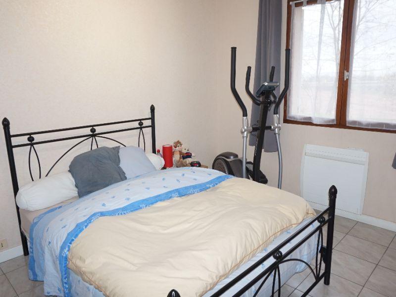 Sale house / villa Chanas 209000€ - Picture 5
