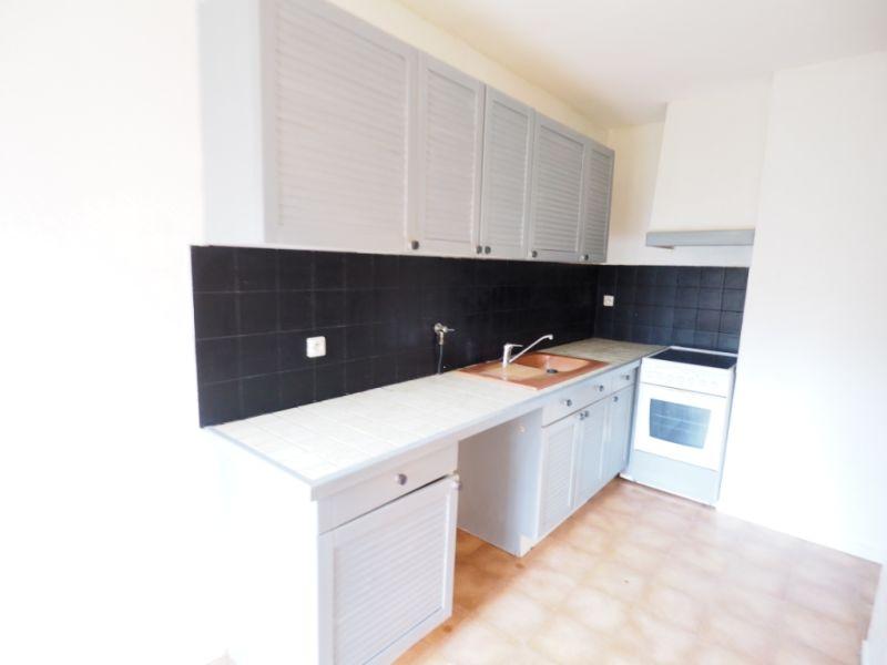 Rental apartment Melun 747€ CC - Picture 2