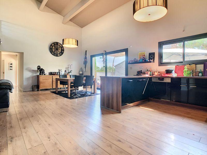 Sale house / villa Carpentras 420000€ - Picture 3