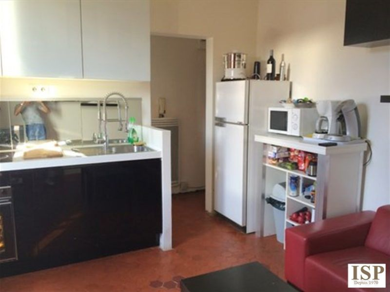 Location appartement Les milles 665€ CC - Photo 2