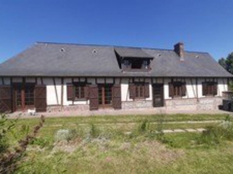 Sale house / villa Aumale 142000€ - Picture 1