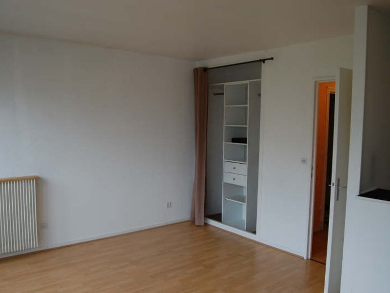 Rental apartment Juvisy sur orge 676,92€ CC - Picture 1