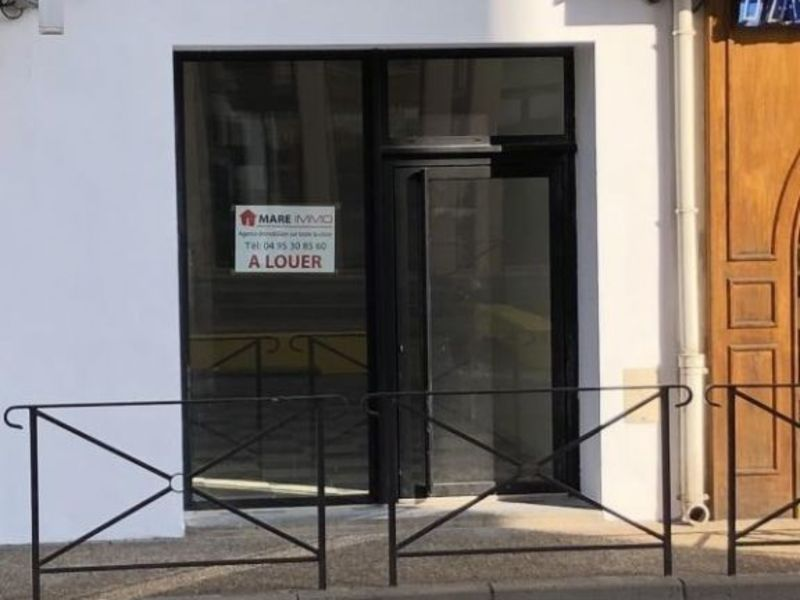 Location local commercial L ile rousse 980€ HC - Photo 1