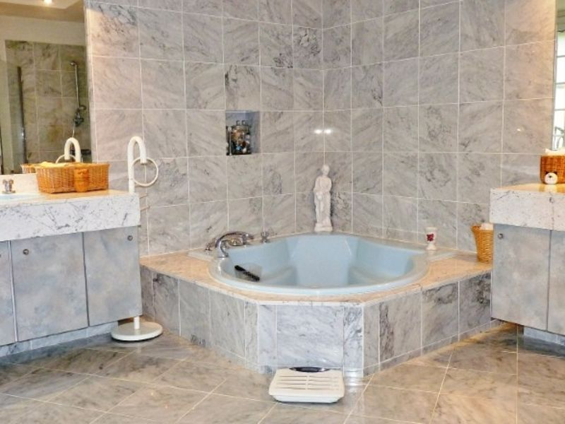 Sale house / villa Garlin 335000€ - Picture 7