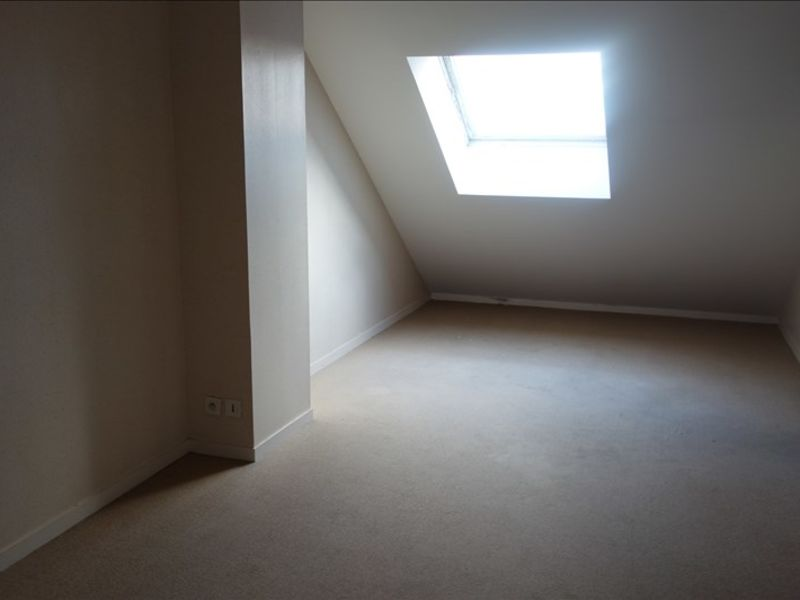 Sale apartment La roche sur yon 133 000€ - Picture 5