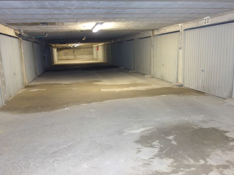 Sale parking spaces La roche sur yon 8 500€ - Picture 3