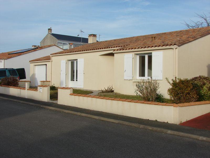 Vente maison / villa La roche sur yon 230500€ - Photo 1