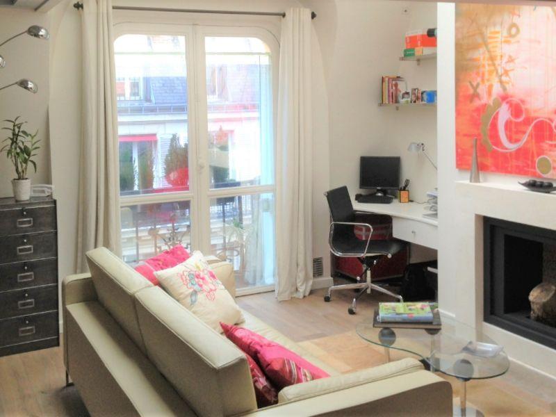 Location loft/atelier/surface Paris 7ème 2490€ CC - Photo 5