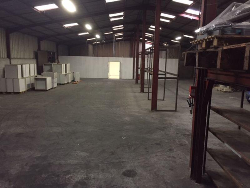 Rental empty room/storage Marignane 4000€ HC - Picture 3