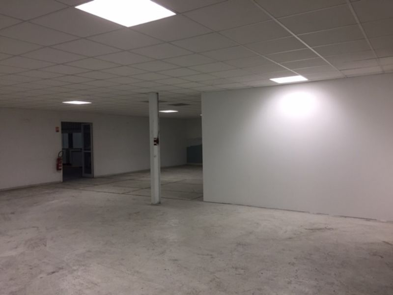 Location local commercial Marignane 4 000€ HC - Photo 6