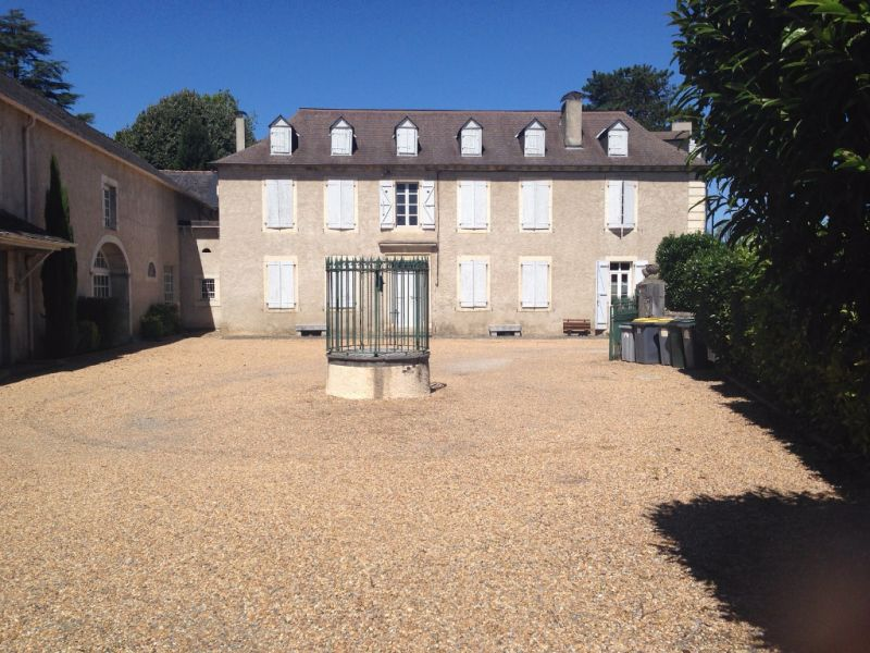 Sale building Igon 332000€ - Picture 1