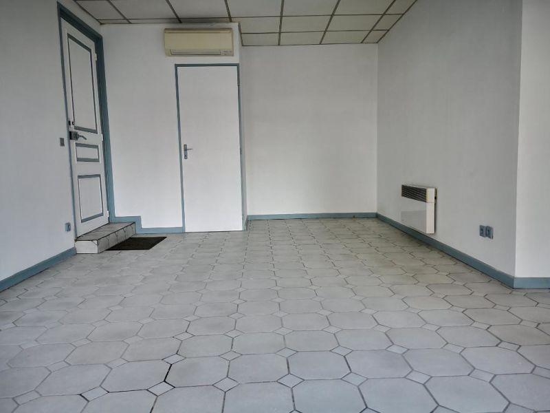 Sale empty room/storage Nay 24500€ - Picture 1
