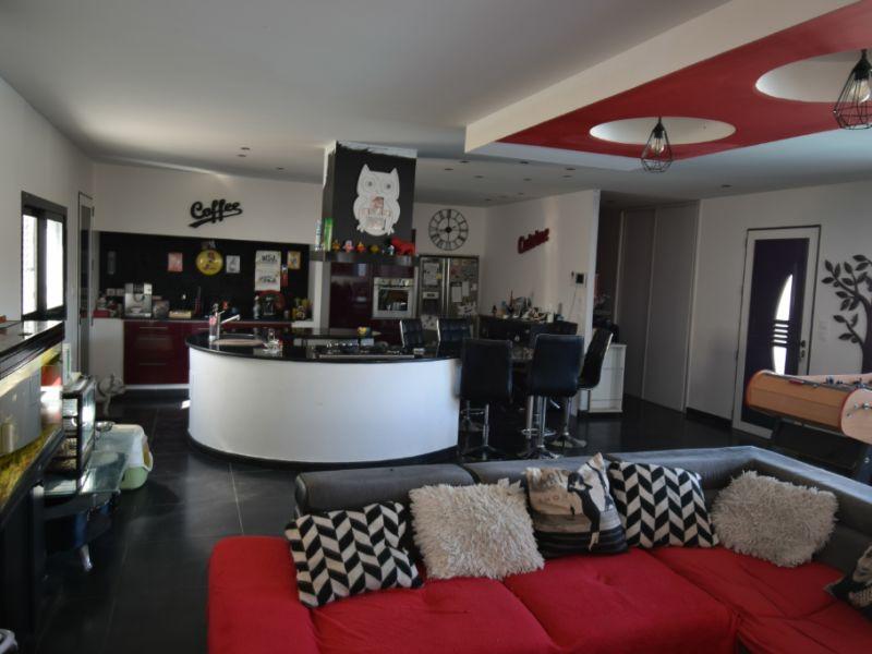 Sale house / villa Benejacq 279000€ - Picture 3