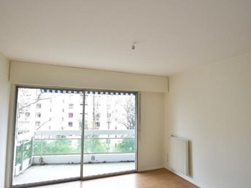 Sale apartment Pau 43 500€ - Picture 1