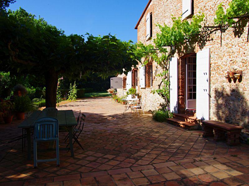 Vente maison / villa Brouilla 572000€ - Photo 2