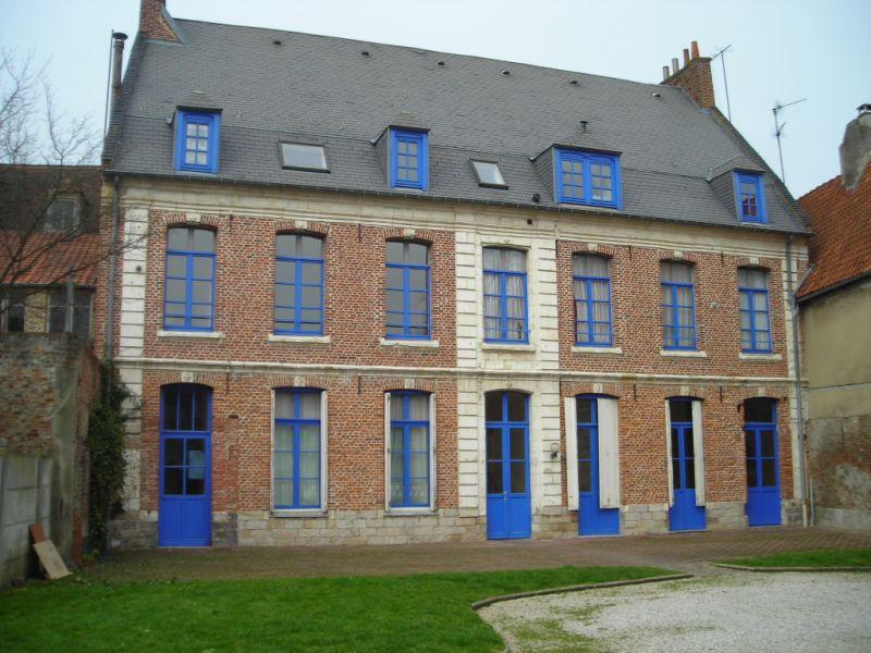 Location appartement Aire sur la lys 295€ CC - Photo 1