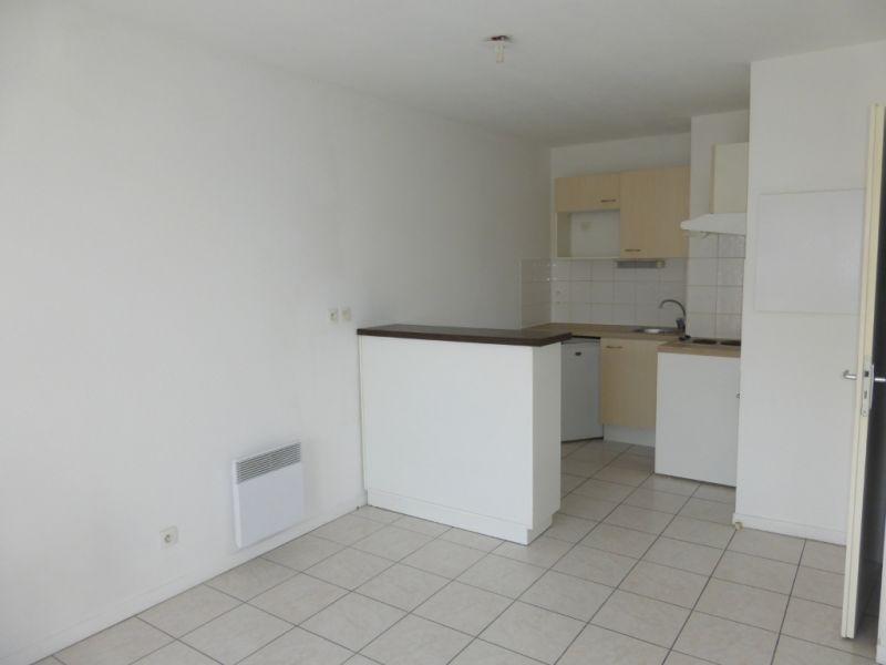 Rental apartment Billere 450€ CC - Picture 2