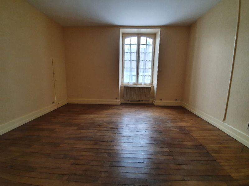 Location appartement Henrichemont 400€ CC - Photo 1