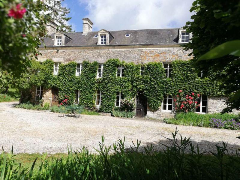 PROPRIÉTÉ D'EXCEPTION : 2 maisons, 5 chbres d'hôtes, 1 meubl